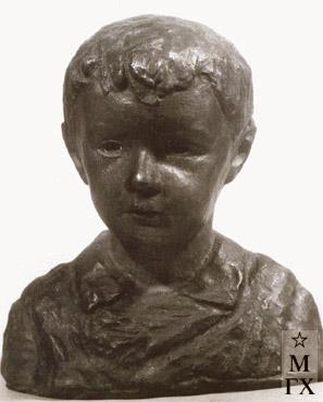 А. А. Арендт. Портрет сына. 1936. Бронза.