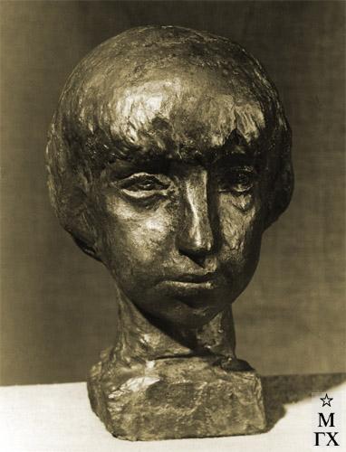 А. И. Григорьев. Девочка. 1934. Бронза. Нат. вел.