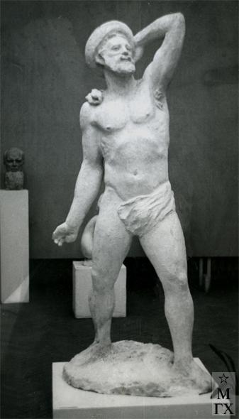 А. И. Григорьев. Уолт Уитмен. 1947. Гипс. В. 220 см.