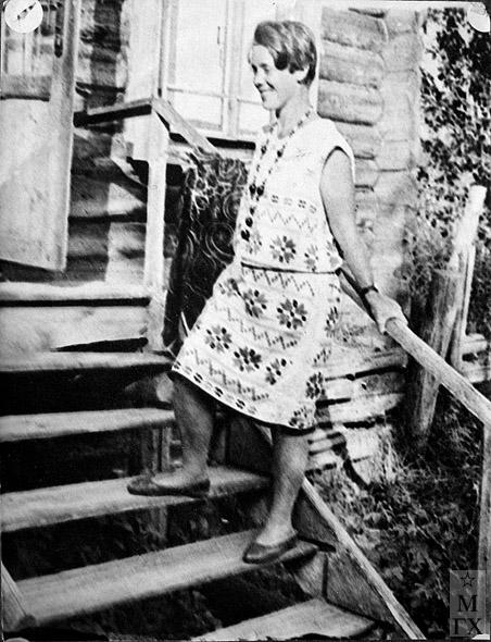 Вера Кизевальтер на даче, около 1928 г.