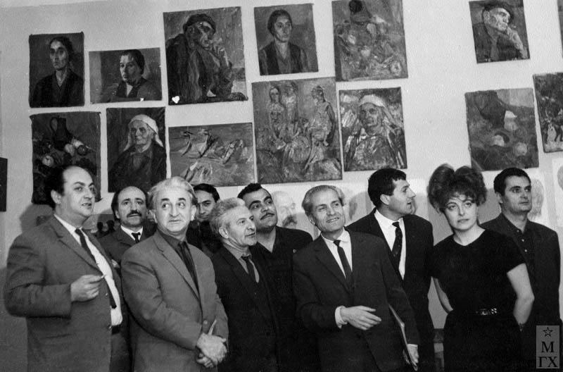 На выставке в центре художники А. Бекарян, А. Папян, Б. Колозян