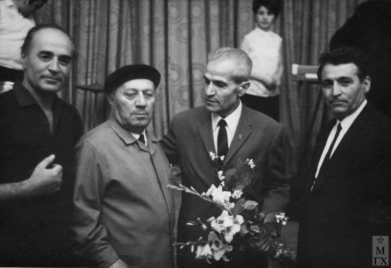 Открытие выставки. 1966 г. В центре Е. Кочар, Б. Колозян