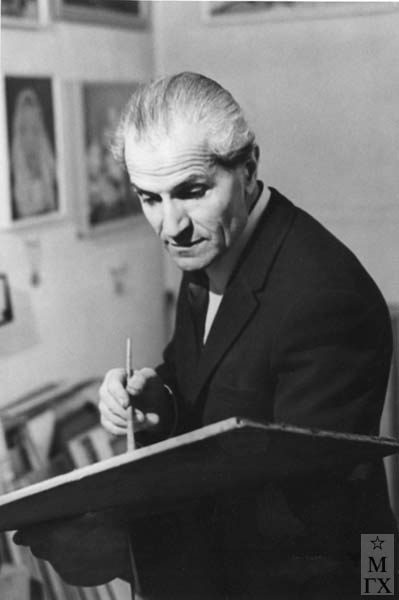 Бабкен Колозян в мастерской 60-е гг.