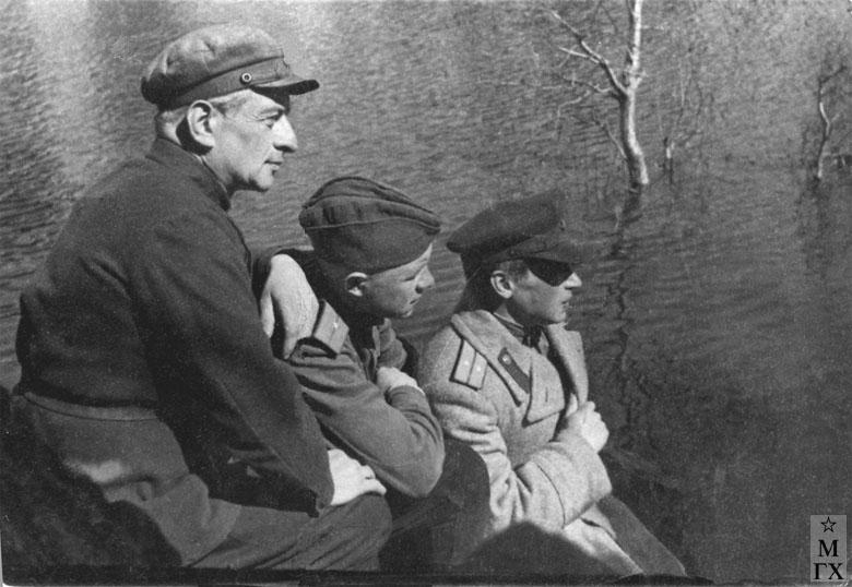 Г. Вятка. Запасной офицерский полк. 1943. А.А. Коробов справа внизу.