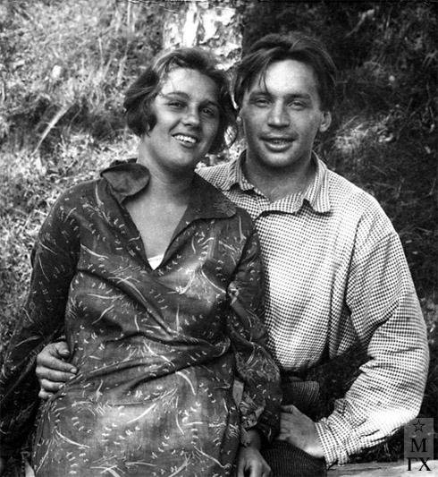 Александр Коробов с женой Раисой, 1930 г.